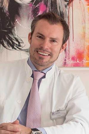 Cirujano Plástico Doctor Kaye Marbella